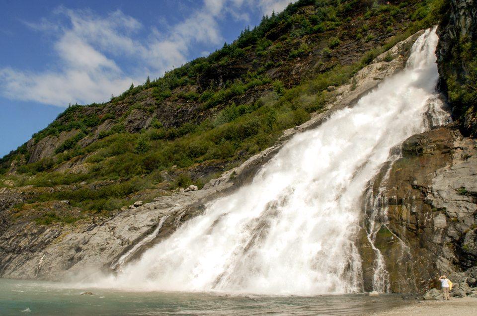 Juneau-Hiking-Trails-Nugget-Falls-Trail_Unplugged-Alaska